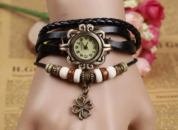 Relógio Pulseira Couro Preto Pingente Trevo Vintage Feminino