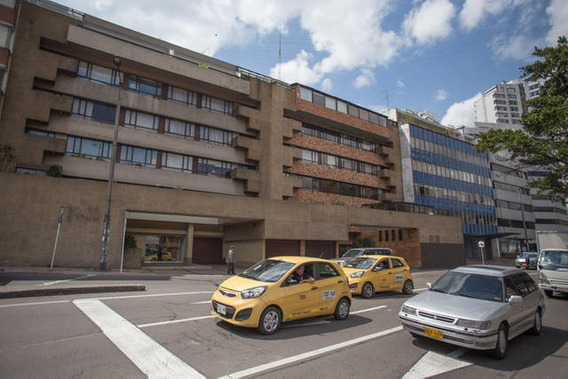 Apartamento En Arriendo El Refugio 90-56165