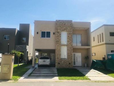 Hermosa Casa En La Arboleda Ii
