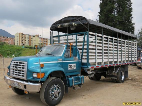 Camion Ford 8000 Estacas