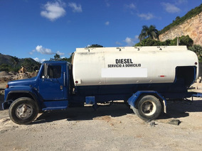 Camion Combustible 3,200 Galones Rd$750,000 (negociable)