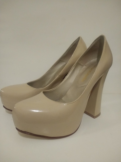 Zapato Plataforma Nude Charol Batistella 37