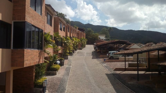 Abneri Rivas Vende Townhouse En Lomas Del Este Cod:foth-135