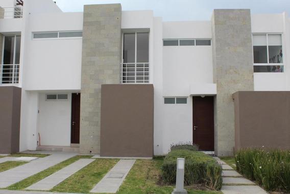Casa En Venta En Zakia, El Marques, Rah-mx-21-827