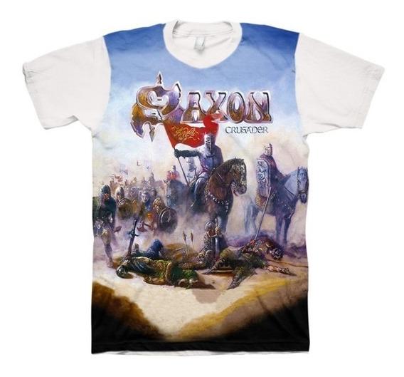 Camiseta Saxon - Crusader (branca)