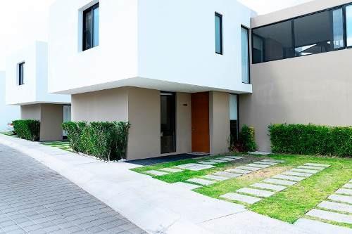 Casa En Venta - Juriquilla - C1409