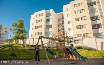 Departamento En Renta En Privalia Ambienta, Queretaro, Rah-mx-19-701