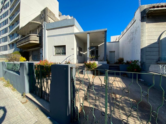 Alquiler Casa - Siete Dormitorios / Dos Baños -la Blanqueada