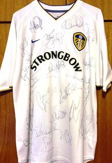Camisa Do Leeds Utd. 2000/01 Autografada 25 Jogadores