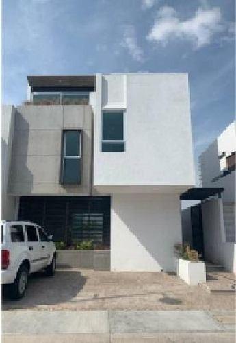 Casa En Venta Lomas De Juriquilla, Queretaro.