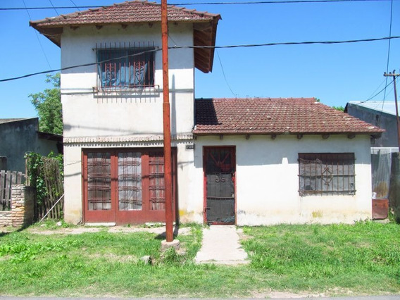 Casa En Venta En Villa Elisa