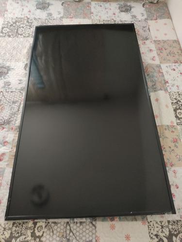 Imagem 1 de 5 de Smarttv Samsung 50 4k - Tela Trincada. Tudo Funcionando.