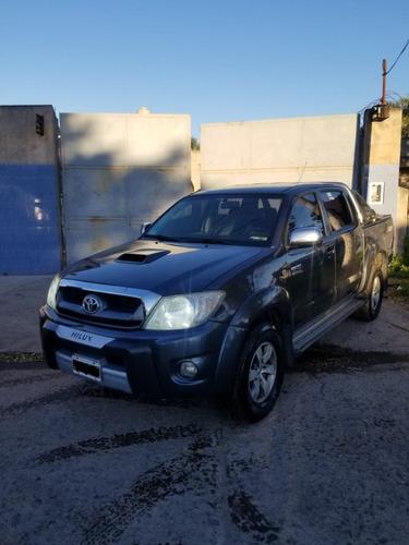 Vendo Toyota Hilux Srv 4x2