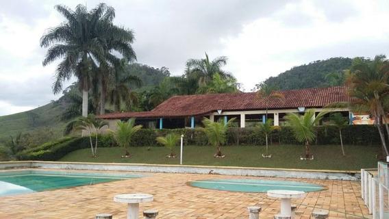 Clube Com 3 Quartos Para Comprar No Zona Rural Em Manhuaçu/mg - 91