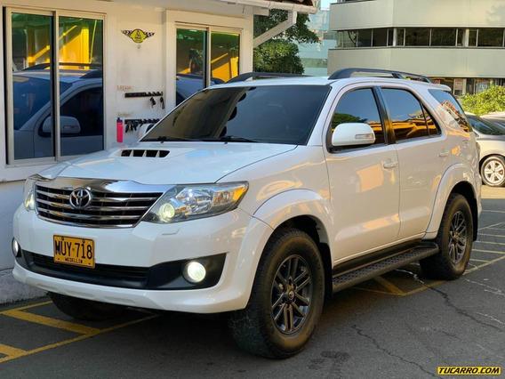 Toyota Fortuner Srv 3.0 At Td 4x4