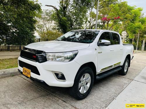 Toyota Hilux 2.4l Diesel 4x4 Mecánica Trd