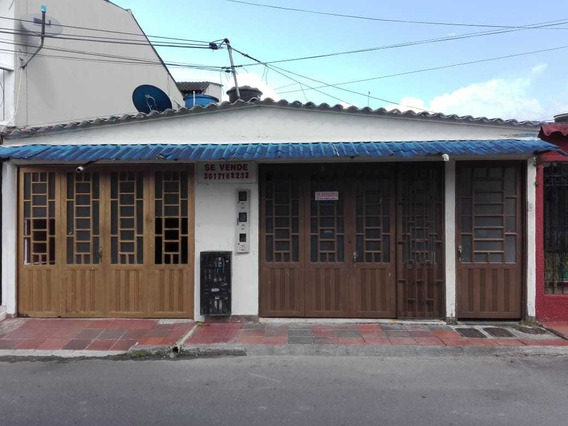 Casa De 3 Apartamentos