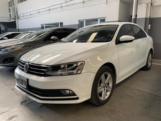 Volkswagen Vento 2.5 Luxury Manual 90.000 Km
