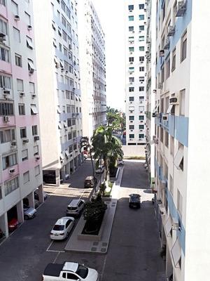 Aluga-se Apartamento (1 Dormitório) Com Vista Para O Mar.