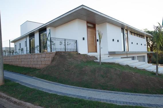 Encantadora Casa No Condomínio Jardim Dos Lagos!