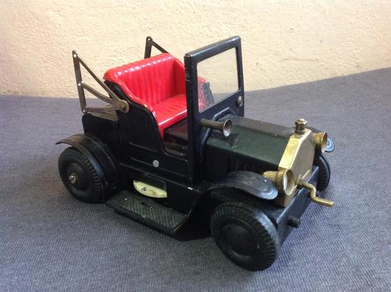 Radio Vintage Con Forma De Automóvil Antiguo