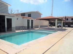 Townhouse En Venta Caracaros Valencia Cod20-4225gz