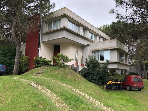 Casa En Pinamar. La Herradura