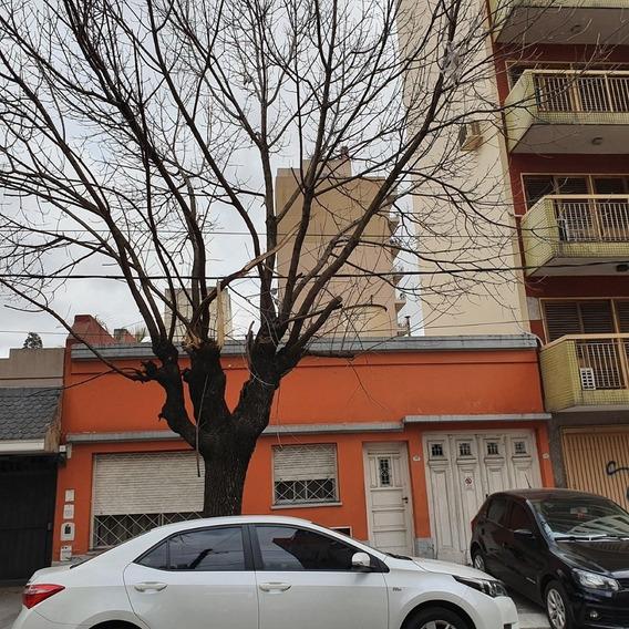 Casa En Alquiler Uso Profesional / Comercial/ Vivienda