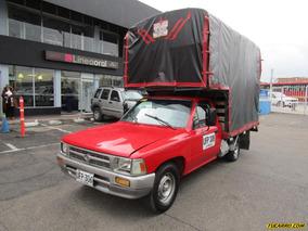 Toyota Hilux Mt 2400