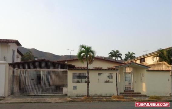 Casas En Venta La Vina Valencia Carabobo 19-8848 Rc