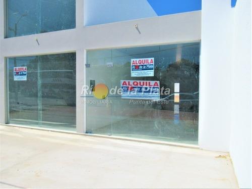 Local En Alquiler En Parada 5 Sobre Avenida Comercial- Ref: 12971