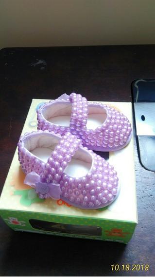 Sapatinho Bebê Customizado Com Pérolas Tamanho 14