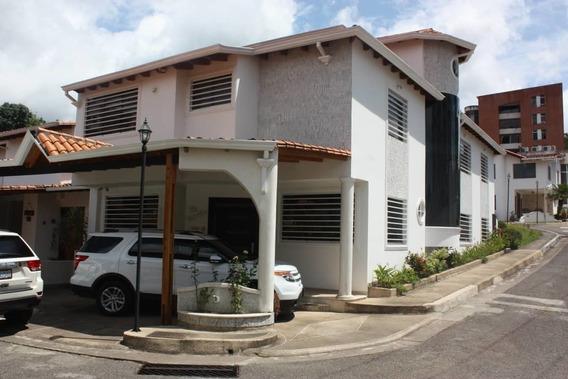 Casa En Urb En Alto De Altamiras