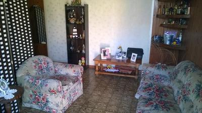 Apartamento Con Galpón Y Oficinas. (código: 10008)