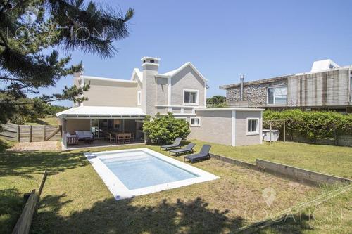Casa En Alquiler Temporal En Club De Mar - Lho2281112