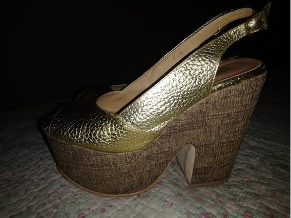 Zapatos Plataforma Doradas