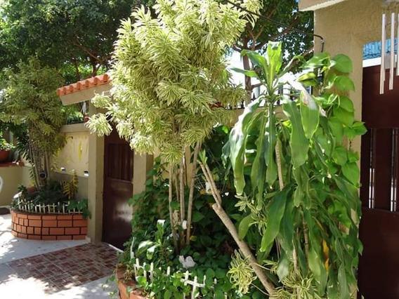 Vendo Casa De 3 Hab/ 326 Mt2 En Km 7 1/2 Av. Independencia