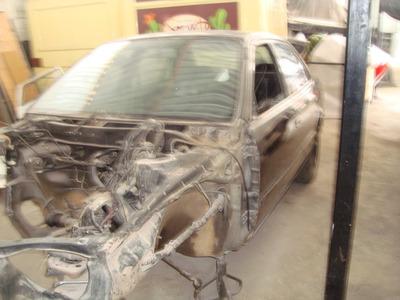 Toyota Corolla 1999 Sucata