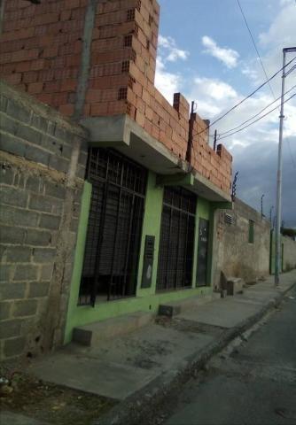 Comercial En Venta En Cabudare Centro Palavec Al 20-17494