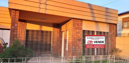 Casa En Venta . Jose C Paz