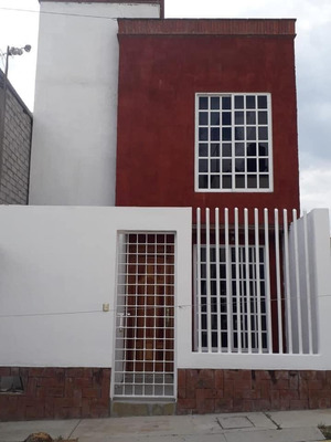 Casa Con 3 Recamaras, 2 Baños Completos