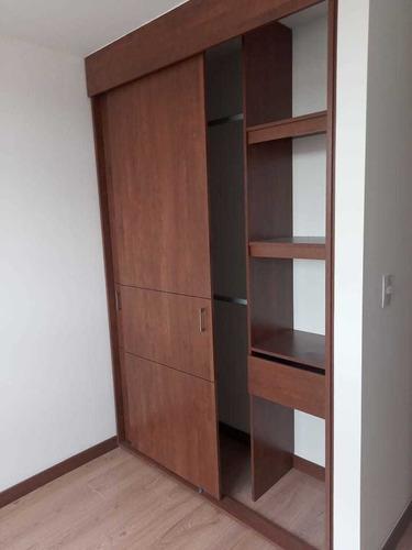Imagen 1 de 14 de Arriendo Apartamento En Madrid Con Parqueadero Propio