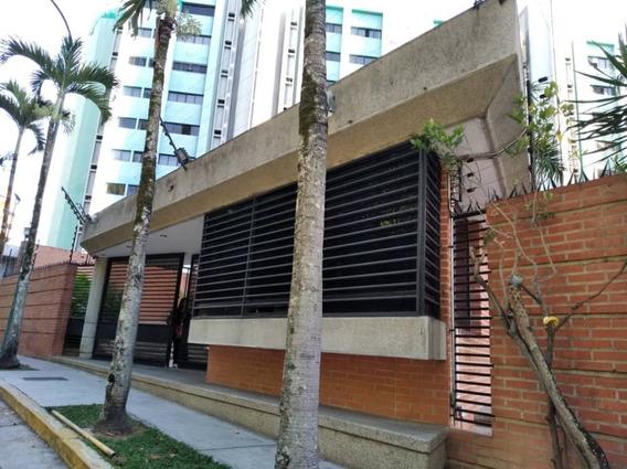 Alquiler De Apartamento En Las Esmeraldas, Tugrupoarea, Rc.