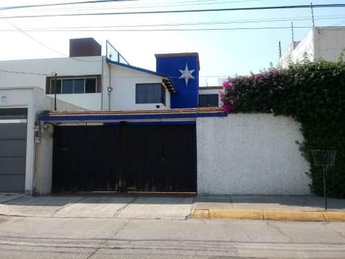 Colón Echegaray: Casa Estilo Mexicano Contemporáneo.