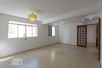 Apartamento No 3º Andar Mobiliado Com 1 Dormitório E 2 Garagens - Id: 892935641 - 235641