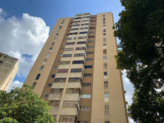Apartamento En Venta Mls #19-16381