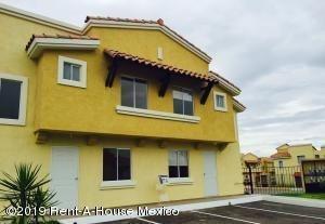 Imagen 1 de 10 de Casa En Un Desarrollo Con Diseño Arquitectónico Contemporáneo  Jf