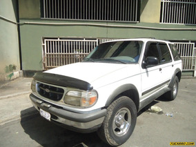 Ford Explorer Ltd 4x4 - Automatico