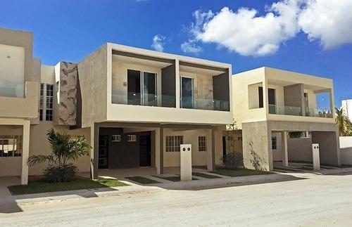 Casa En Residencial Selvanova, Modelo Topacio, Playa Del Carmen