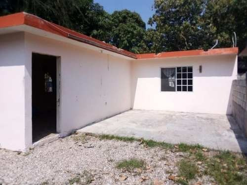 Casa En Venta En Col. La Paz, Tampico, Tam.